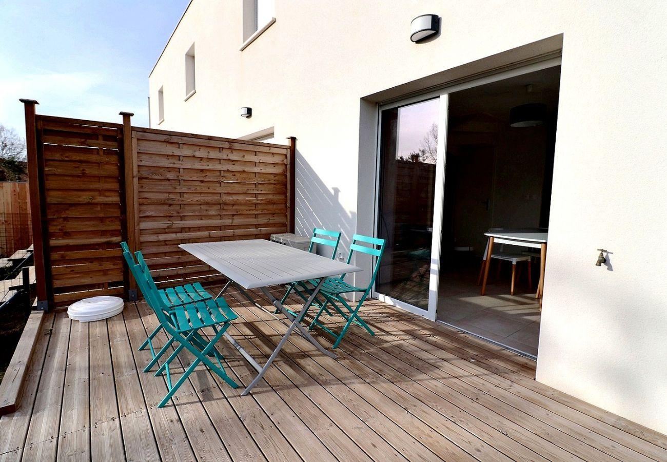 Villa à Valras-Plage - Confortable pavillon dans une résidence sécurisée avec piscine chauffée  V23 Logement PMR