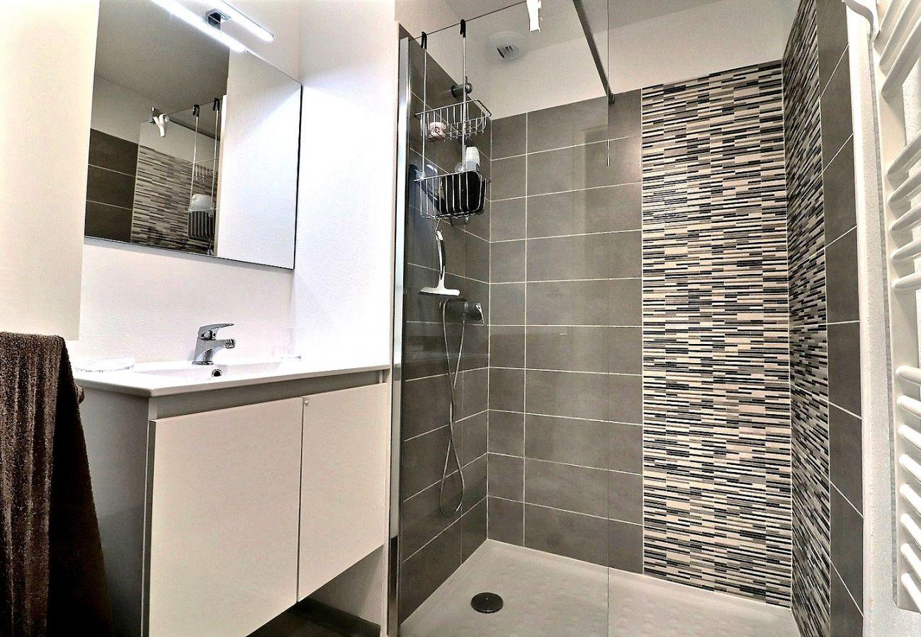 Villa à Valras-Plage -  Pavillon 3 chambres dans une résidence sécurisée avec piscine chauffée V8
