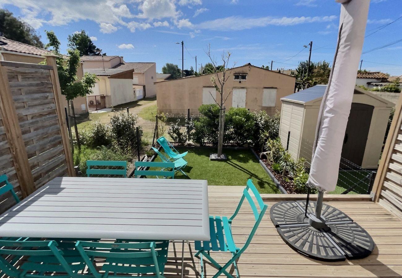 Villa à Valras-Plage - Belle villa pour 4 à 6 personnes dans une résidence sécurisé avec piscine chauffée. V14