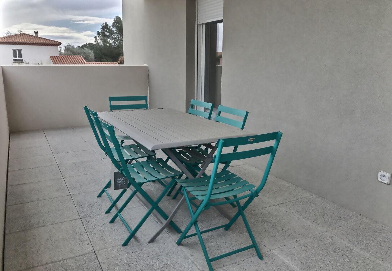 Studio à Valras-Plage - Agréable studio pour 2 personnes climatisé avec belle terrasse . B307