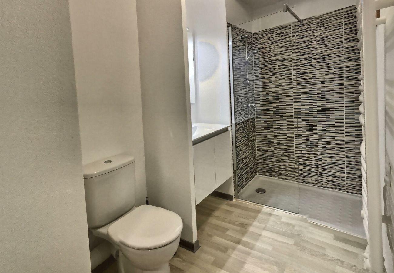 Studio à Valras-Plage - Studio dans une résidence avec piscine