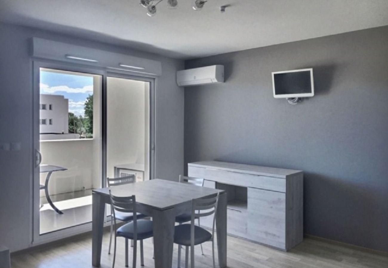Studio à Sérignan - Adorable studio pour 2 personnes + bébé dans belle résidence A204