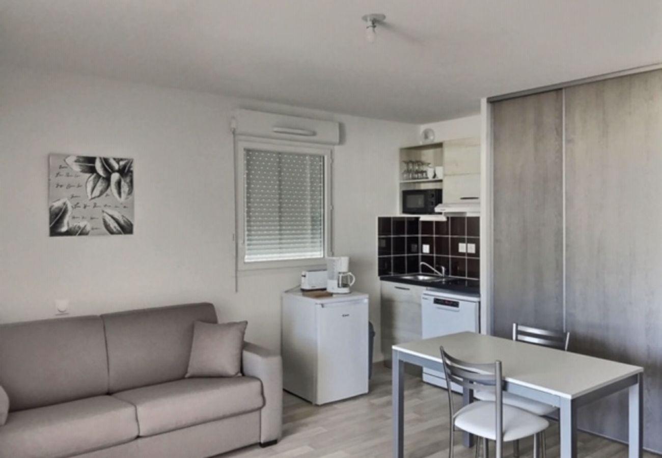 Studio à Sérignan - Dans une résidence récente beau studio pour 2 personnes B107