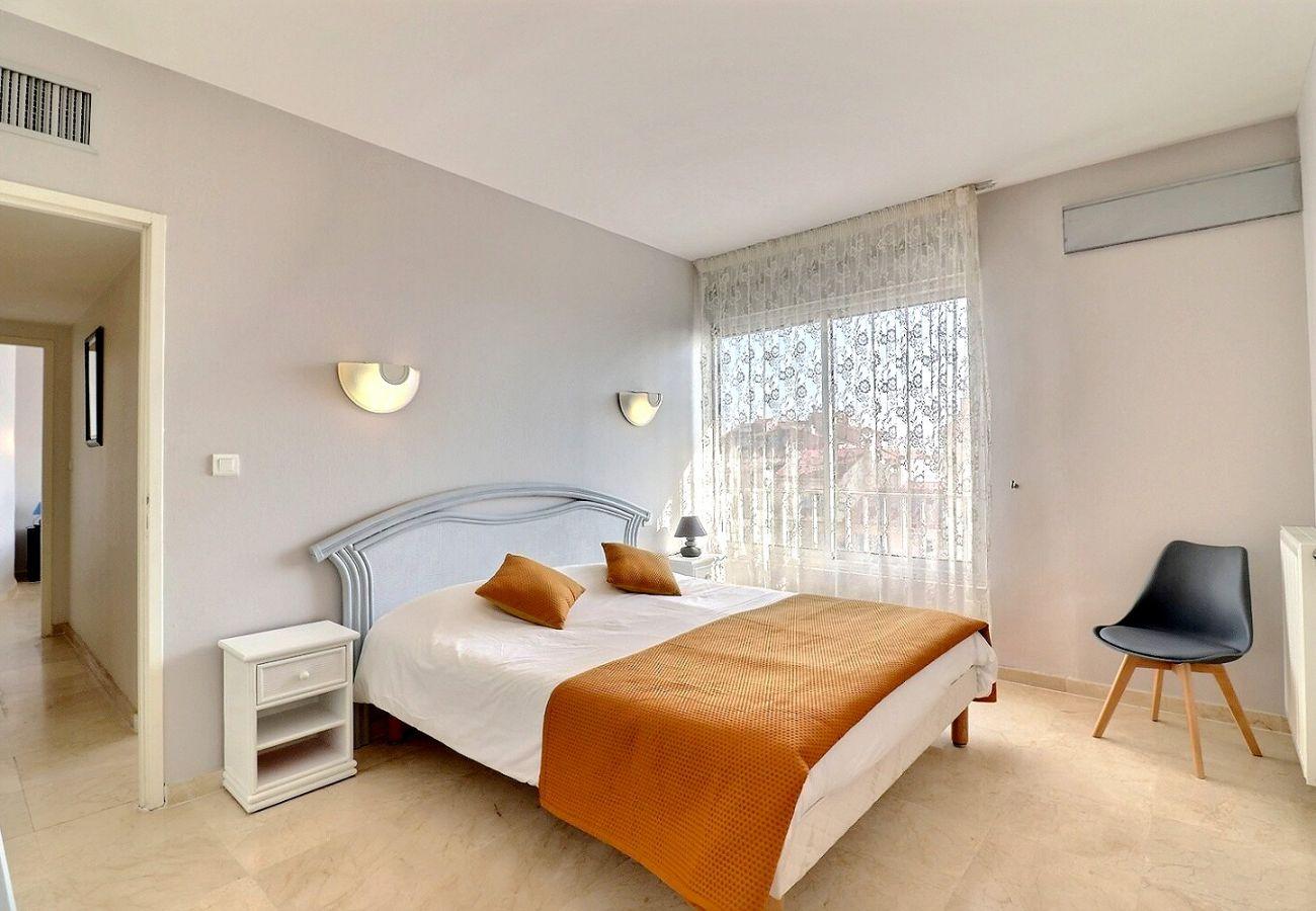 Appartement à Valras-Plage - Magnifique appartement en front de mer, idéal pour 6 personnes