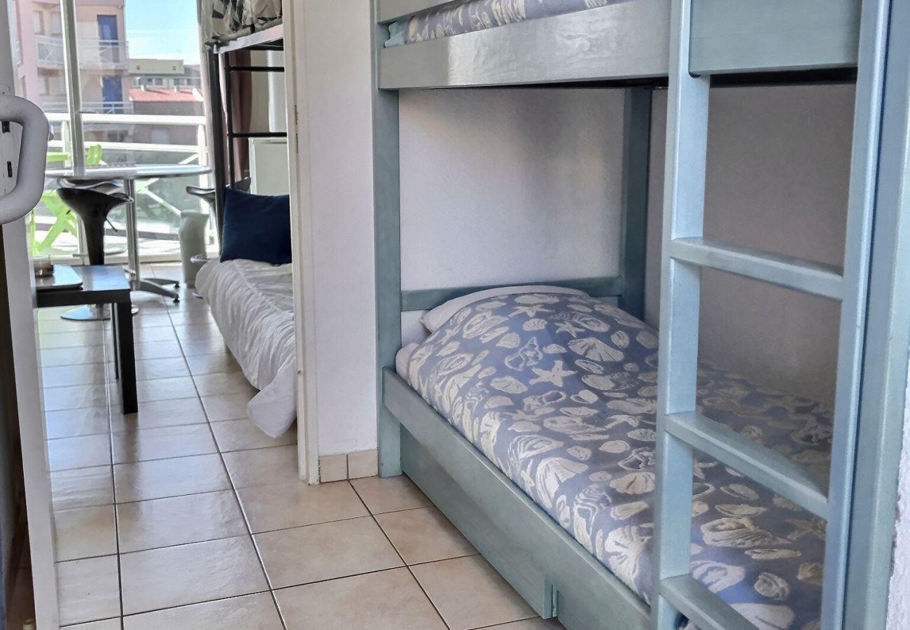 Appartement à Valras-Plage - Appartement pour 4 personnes dans une résidence sécurisée avec piscine, trés proches de la mer. MERSCHLD41