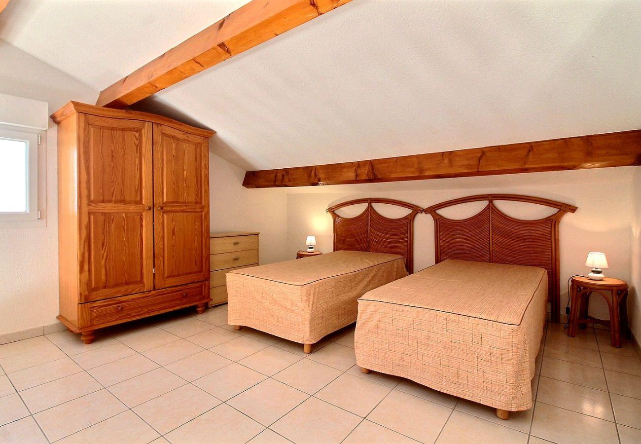 Appartement à Valras-Plage - Appartement vue mer pour 6 pers dans résidence avec piscine LD44