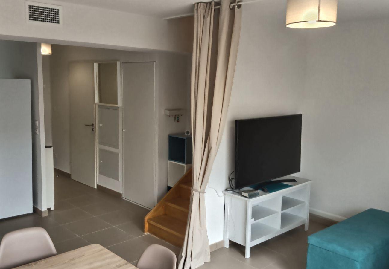 Maison à Valras-Plage - A 500m de la plage, pavillon confortable 6 personnes dans résidence sécurisée.