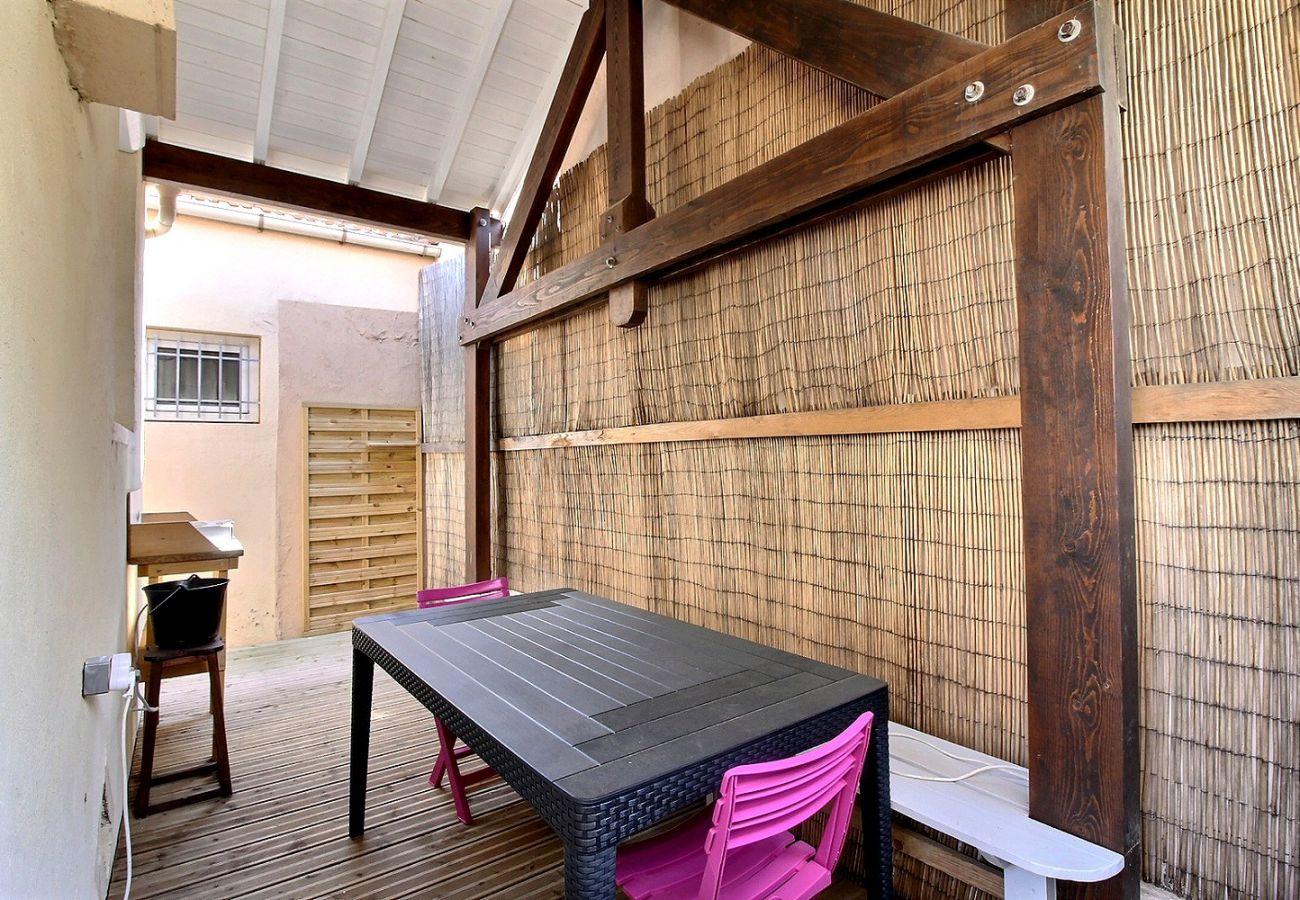 Maison à Valras-Plage - Véritable havre de paix à 150m de la plage, maison de pêcheur pour 4 personnes + 1 bébé