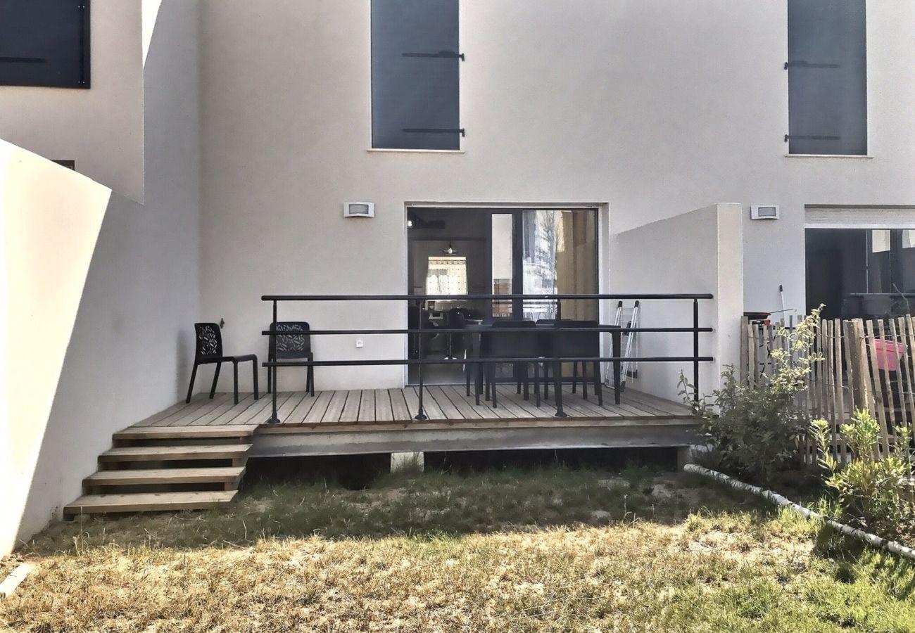 Villa à Sérignan - Villa confortable et moderne avec 2 chambres dans une résidence sécurisée, idéal 5 personnes, proche plage.