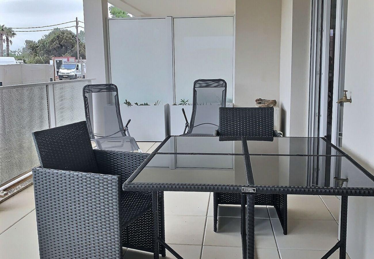 Appartement à Sérignan - Appartement spacieux et moderne avec terrasse, wifi, climatisation, parking.