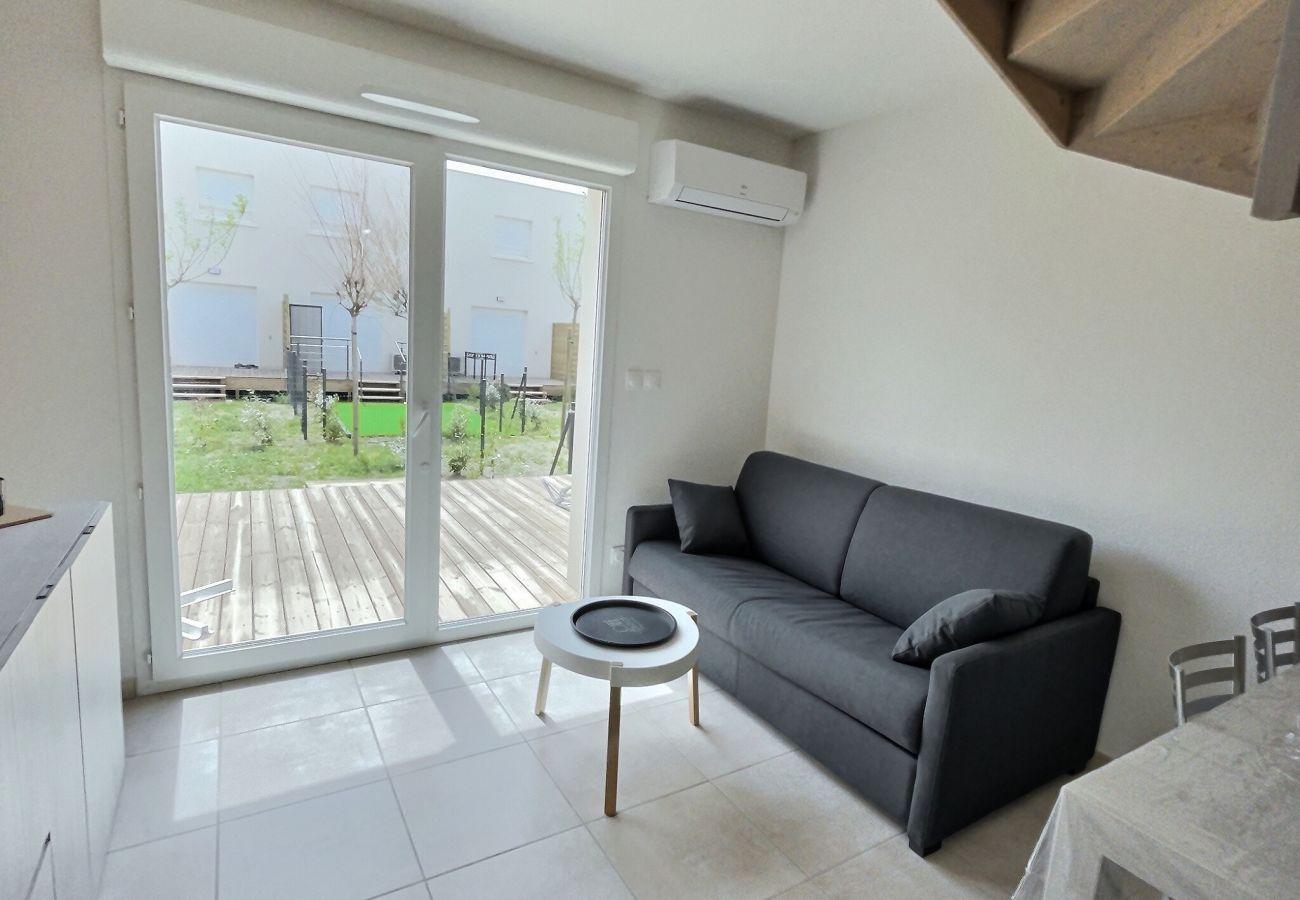 Villa à Sérignan - Joli pavillon ideal pour 4personnes avec piscine commune  V52