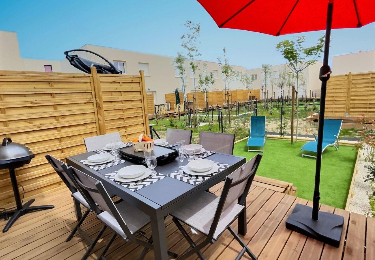 Villa à Sérignan - Villa tout confort dans une résidence securisée avec piscine chauffée. V67